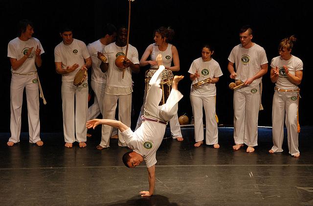 Espectáculo de Grupo de danza Capoeira